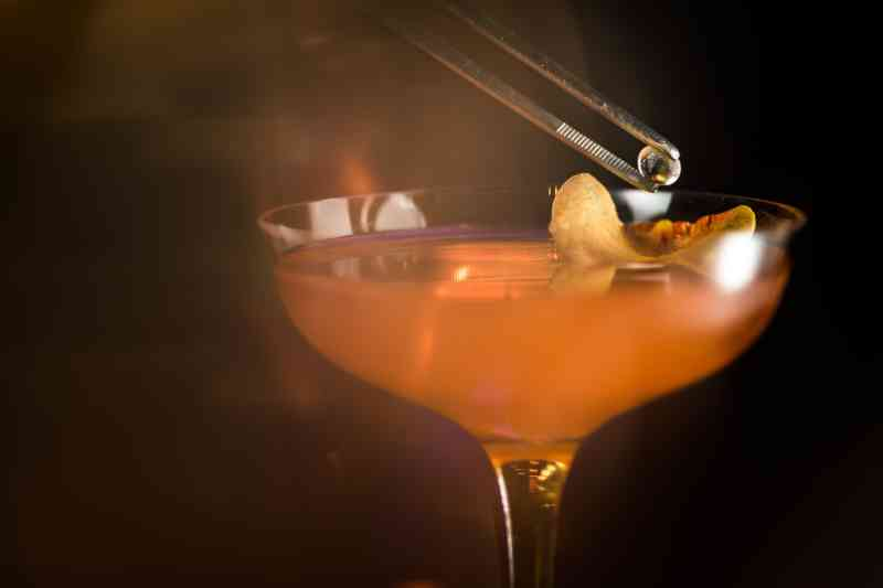 Hakkatini cocktail being prepared