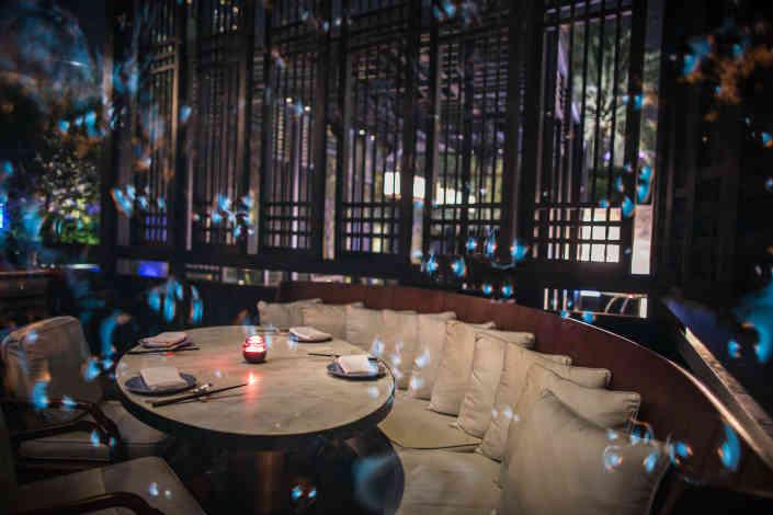 Hakkasan Dubai' main dining area
