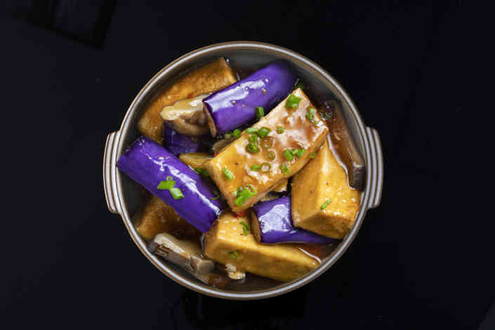 Tofu clay pot
