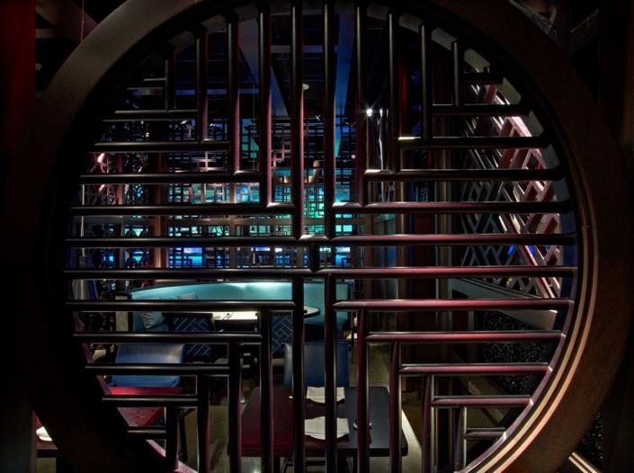 Hakkasan Miami latticework and dining room