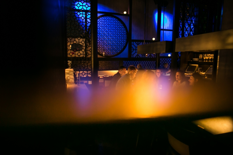 People eating at Hakkasan Las Vegas
