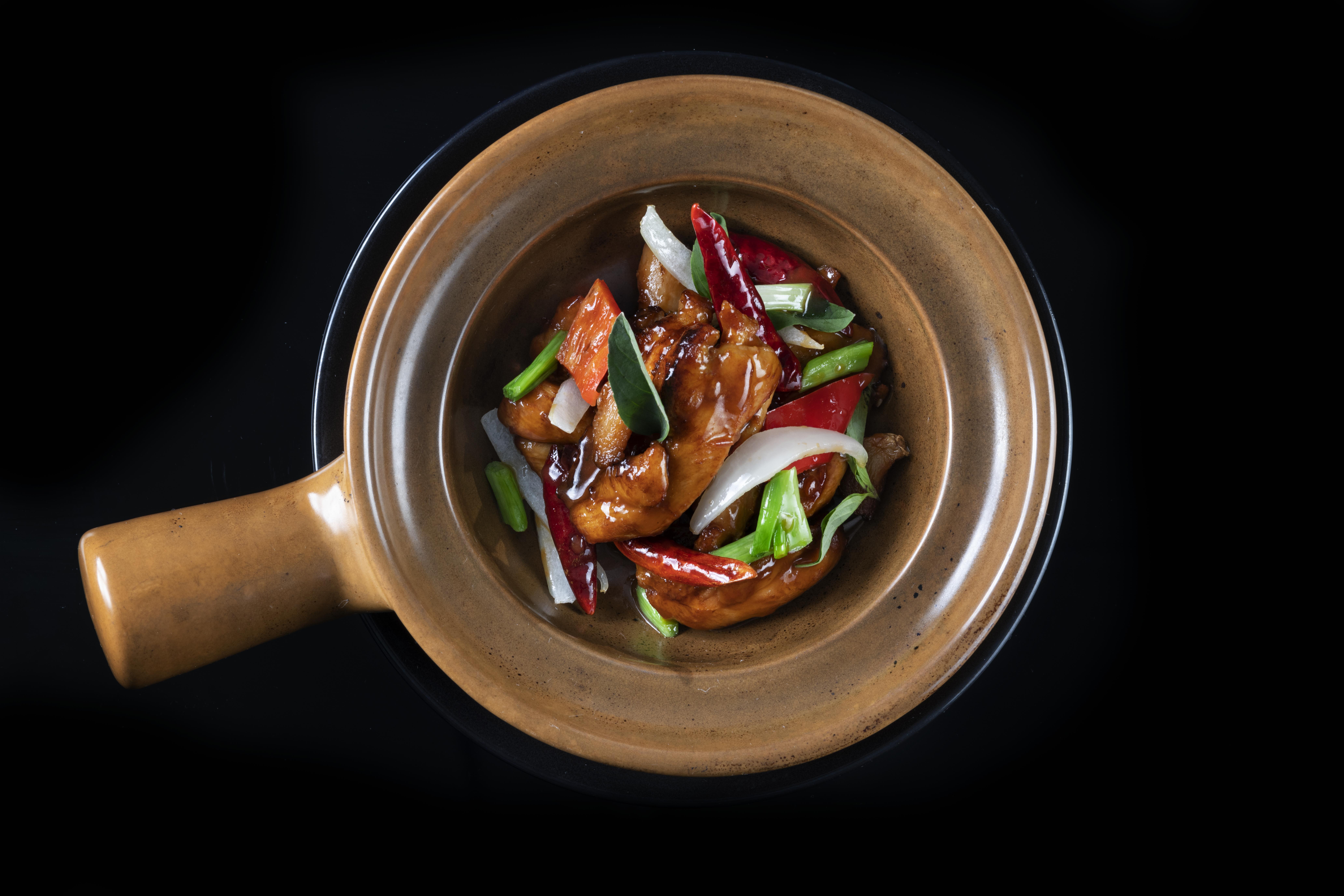 Sanpei chicken claypot
